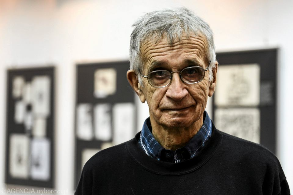 Jacek Fedorowicz na wystawie swoich prac w Centrum Informacji im. Jana Nowaka-Jezioranskiego w Warszawie