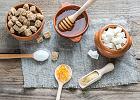 Ksylitol, miód, a nawet banany. Zamiast białego cukru - siedem zdrowszych zamienników