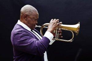 Gwiazdy z Afryki na Skrzy�owaniu Kultur: Hugh Masekela i Mahmoud Ahmed