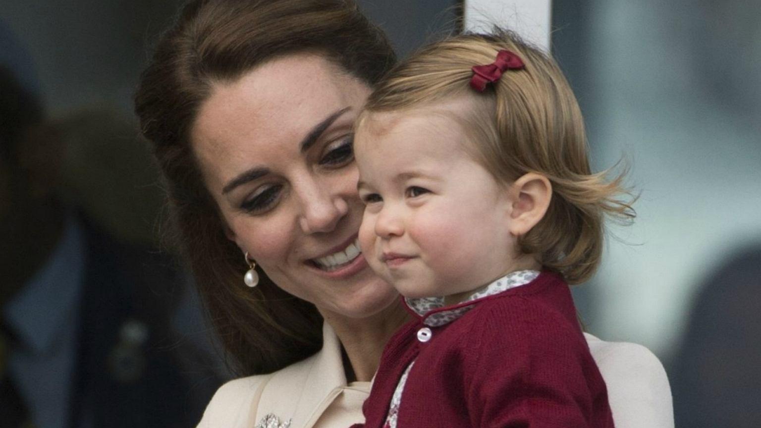Księżniczka Charlotte Jutro Obchodzi Drugie Urodziny
