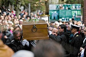 """Pogrzeb ks. Jana Kaczkowskiego w Sopocie. """"W ka�dym cz�owieku widzia� Chrystusa"""""""