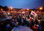 W niedzielę protesty w całej Polsce. Andrzej Duda w Legionowie. Tam też są   protestujący. Gdzie jeszcze? [SPRAWDŹ]