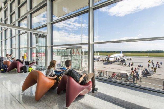 Cztery wakacyjne hity wroc�awskiego lotniska