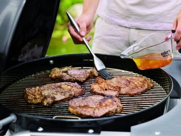 W ten weekend wielka inauguracja sezonu grillowego. Piątkowa dyspensa na mięso obowiązuje tylko w lewobrzeżnej Warszawie