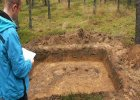 Musia� wykopa� sobie gr�b, szcz�tki wskazali archeolodzy