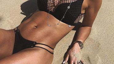 Sara Boruc chwali się na wakacjach mocno umięśnionym brzuchem
