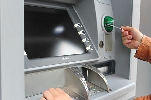 Uwaga na przerwy w bankach. W ten weekend niektóre są wyjątkowo długie. Kłopoty zaczną się już w piątek wieczorem
