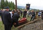 Tłumy na pogrzebie b. nuncjusza Józefa Wesołowskiego w Czorsztynie