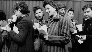 Zdjęcie pochodzi z książki 'Przetrwałam. Doświadczenia kobiet więzionych w czasach nazizmu i stalinizmu'.