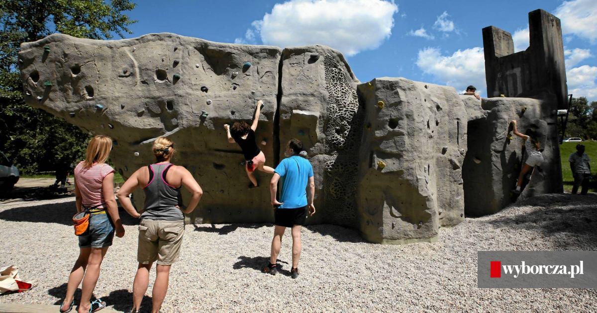Nowa Atrakcja Nad Wisla Scianka Wspinaczkowa Boulderingowa Zdjecia