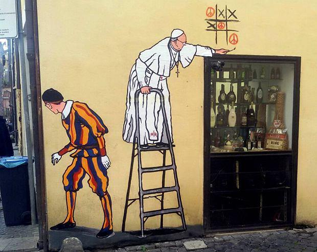 Mural z papieżem Franciszkiem istniał tylko kilka godzin. Po jego usunięciu protestują nawet księża