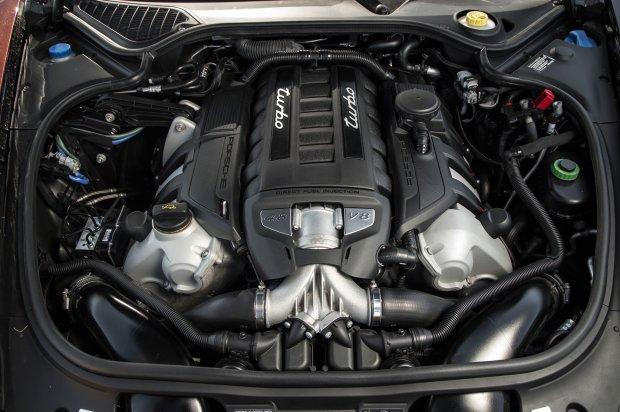 Porsche   Nowy silnik   Z podw�jnym turbo