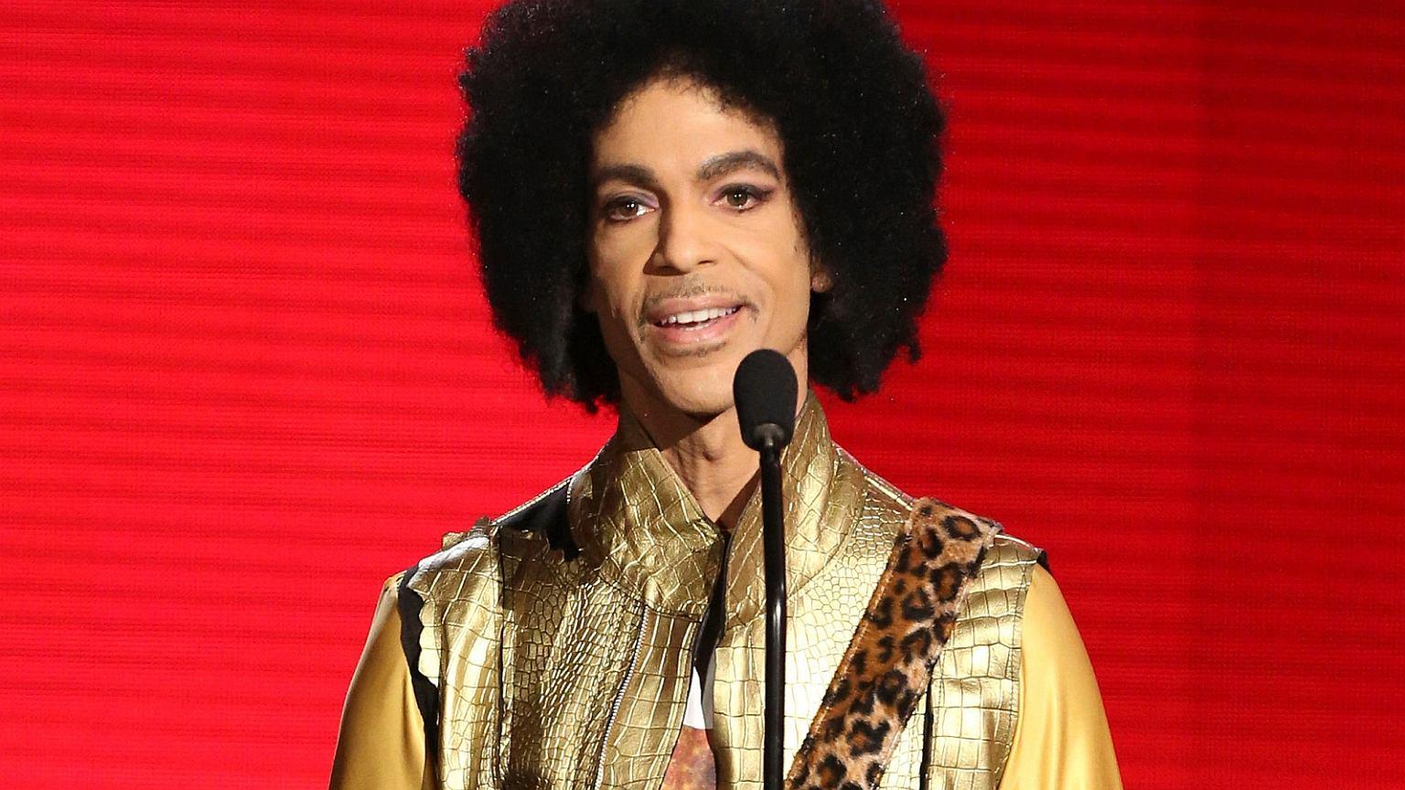 Prince zmarł 2 lata temu. Dzień przed rocznicą pokazali niepublikowane nagranie 'Nothing compares 2 U'