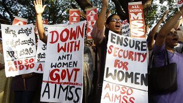 Protesty w Delhi po gwałcie na pięciolatce, kwiecień 2013 r.
