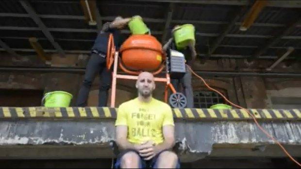 Marcin Gortat - Ice Bucket Challenge... z betoniarki