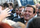 Gro�ba zamachu bombowego na urodzinach Gerharda Schroedera. W�r�d go�ci m.in. ambasador Rosji i szef Deutsche Banku