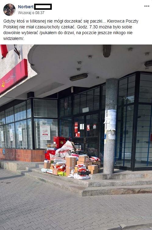 Zostawione przesyłki przed pocztą w Sulejówkiem