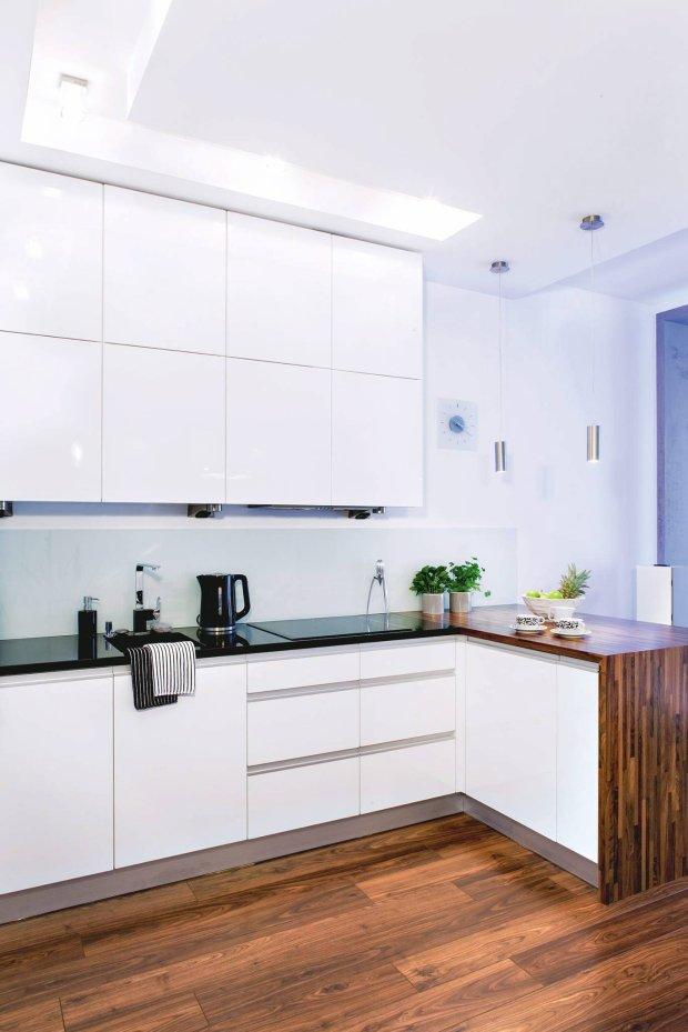 Białe meble kuchnne