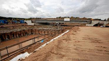 Skarżysko Kamienna, 26 października 2018 roku.  Budowa drogi ekspresowej S7