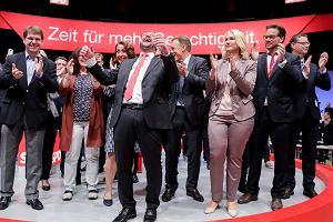 Schulz wypomina Merkel pobłażliwość wobec Kaczyńskiego i Orbana