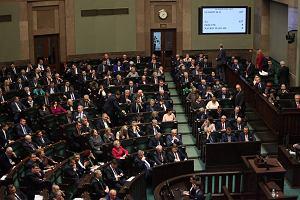 Dlaczego parlamentarzyści mają 10 razy wyższą kwotę wolną od podatku niż pozostali Polacy?