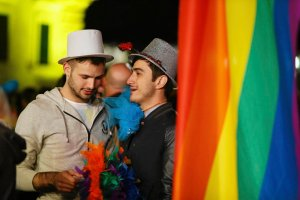 """Malta legalizuje zwi�zki homoseksualne i daje im prawo do adopcji dzieci. A Polska? """"Nam bli�ej do Bia�orusi"""""""