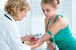 Wirusowe zapalenie wątroby typu C: kiedyś wyrok śmierci, dziś choroba niemal w pełni uleczalna