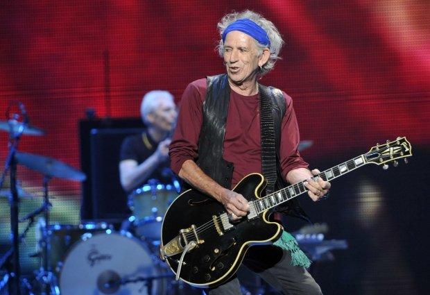 """Gitarzysta The Rolling Stones ujawnił singiel """"Trouble"""", pochodzący z jego nowej płyty."""