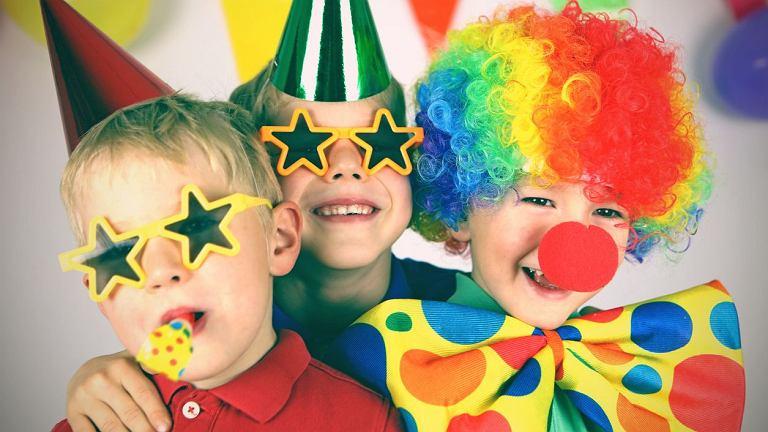 Karnawał w pełni. W co się bawić? Karnawałowe konkursy dla dzieci to coś, co zawsze cieszy się popularnością.