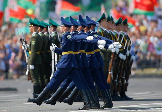 Białoruś tnie wydatki na armię