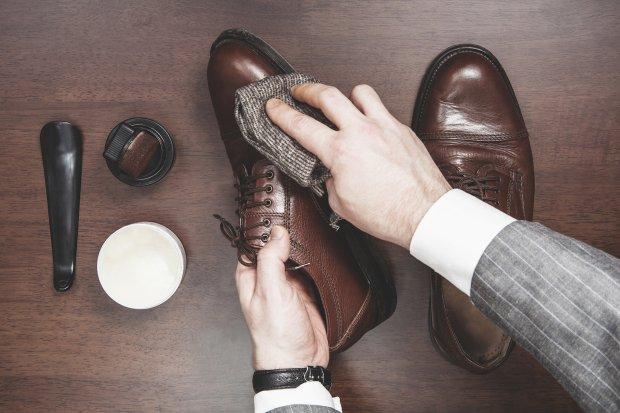 Poradnik: jak pastować buty