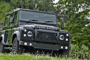 Land Rover Defender na sterydach | Project Kahn