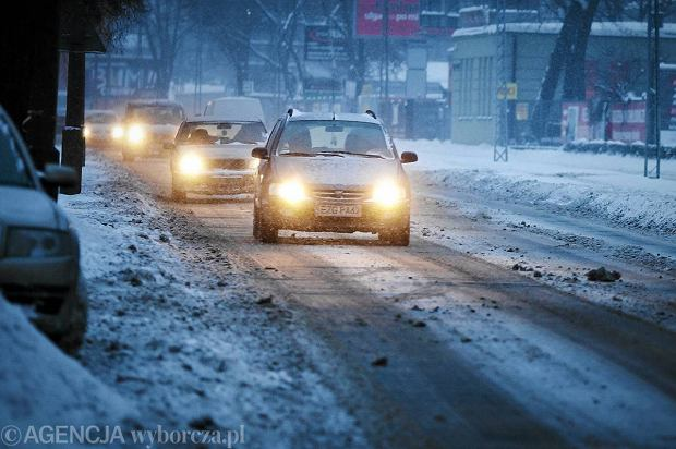 Na drogach panuj� z�e warunki, ale kierowcy s� bardzo ostro�ni