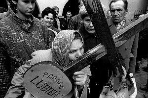 Misterium Męki Pańskiej w Kalwarii Zebrzydowskiej na zdjęciach Krzysztofa Millera z 1990 r.