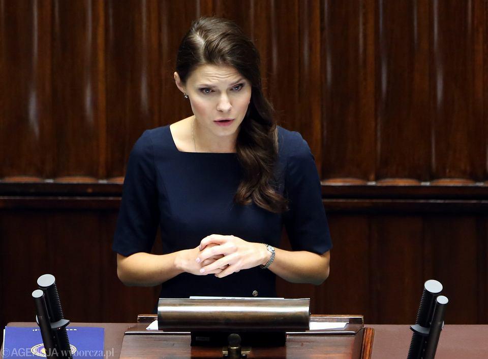 Joanna Banasiuk, twarz Ordo Iuris, inicjatorka akcji 'Stop Aborcji'. 26 posiedzenie Sejmu VIII Kadencji, Warszawa, 22 września 2016