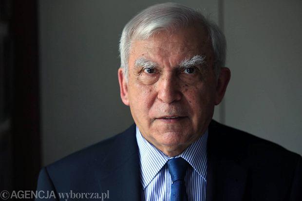 Rotfeld: Rosja musi wiedzie�, �e nie wejdzie w Polsk� jak w mas�o