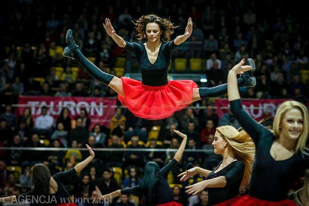 Cheerleaderki z Gdyni odpowiadaj� Szwedom: Nie czujemy si� uprzedmiotowione!