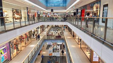 Jakie sztuczki wykorzystują sklepy, żebyśmy kupowali więcej?