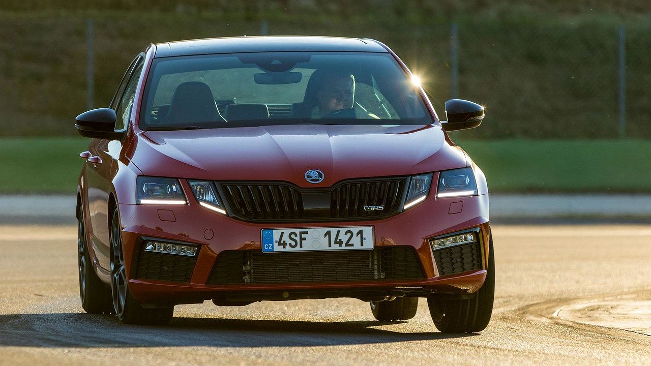 skoda octavia rs 245 test warto dop aca. Black Bedroom Furniture Sets. Home Design Ideas
