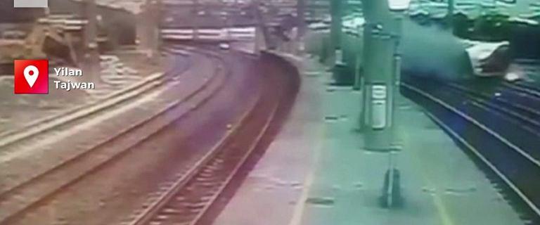 Pociąg, który wypadł z torów na Tajwanie jechał 130 km/h. Wstrząsające nagranie [WIDEO]