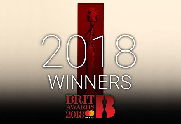 Wczorajszą noc, mimo, że mamy dopiero luty, z pewnością należy zaliczyć, do jednych z najgorętszych w tym roku. W londyńskiej O2 Arenie, pojawiły się największe gwiazdy brytyjskiej sceny muzycznej, które święciły ostatnio swoje tryumfy. Poznajcie największych wygranych i przegranych tegorocznego BRIT Awards.