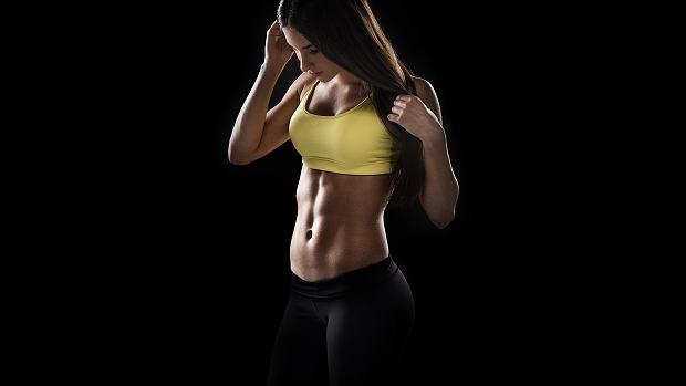 Ćwiczenia na płaski brzuch i boczki - czyli jak pozbyć się nieładnej oponki?