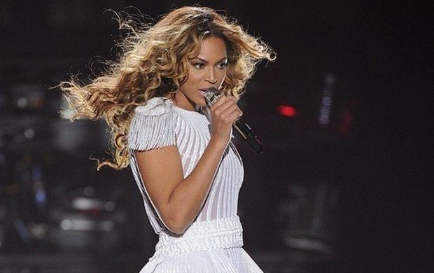 Sławny na całym świecie festiwal, Coachella, traci swojego największego tegorocznego headlinera. Beyonce właśnie ogłosiła, że wycofuje się z udziału w tej muzycznej imprezie.