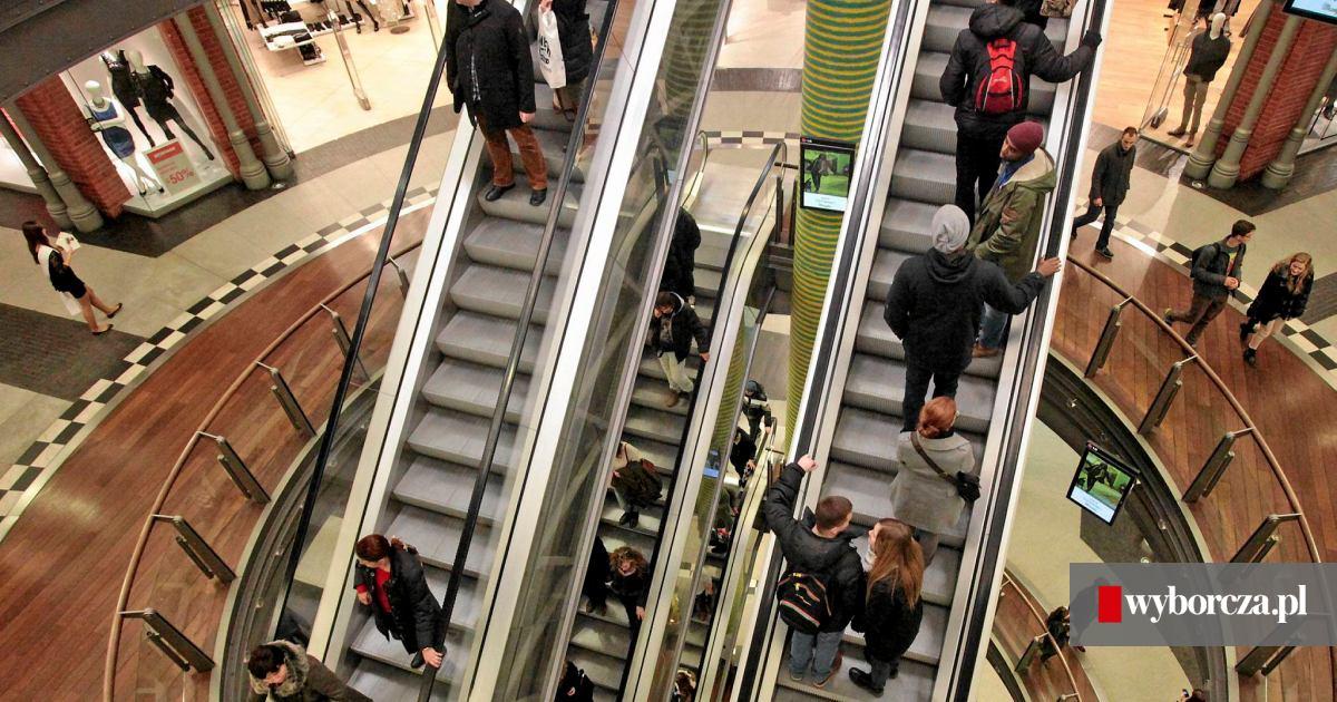 dd9b47abb Zakaz handlu w niedzielę. Poznańskie centra handlowe kombinują, jak się do  niego dostosować