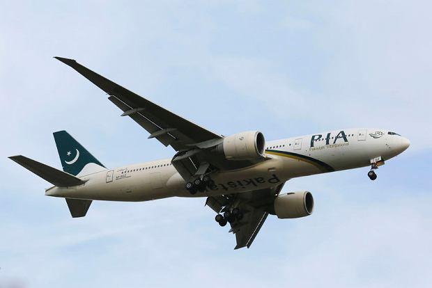 Pakistan: rozbił się samolot z 48 osobami na pokładzie