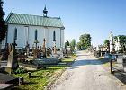 Parafialny cmentarz oddany w zarz�d firmie pogrzebowej. Stawki posz�y w g�r�, wierni si� burz�