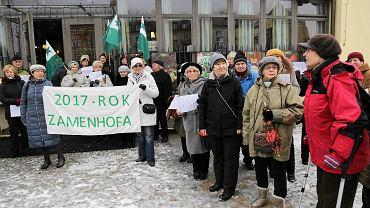 Inauguracja Roku Zamenhofa. Społecznicy, sympatycy Białostockiego Towarzystwa Esperantystów zebrali pod Esperanto Cafe