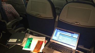 Dlaczego zawsze należy włączyć tryb samolotowy w urządzeniach elektronicznych?