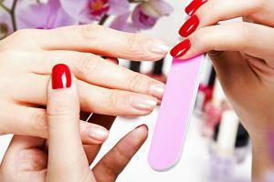Manicure hybrydowy: wygoda i estetyka, czy ryzyko dla zdrowia?