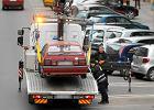 Jak pozbyć się porzuconego pojazdu blokującego miejsce parkingowe? Jest na to skuteczny sposób